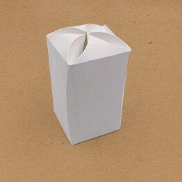 Boite écologique en forme de rectangle et fermeture fleur